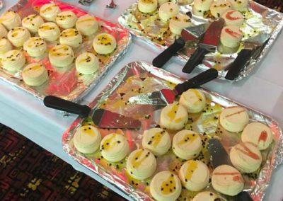 mini pavlova dessert catering